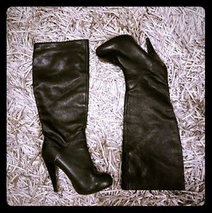 Dolce Vita chic black leather boots!